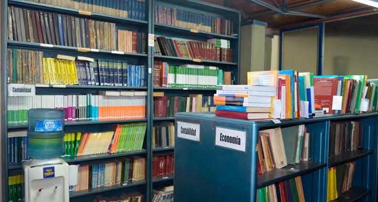 biblioteca-face2